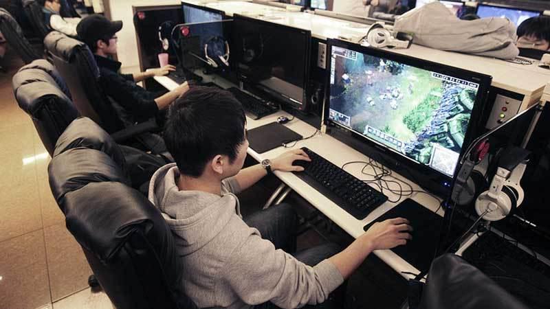 10 Tips Aman Saat Bermain Game Online